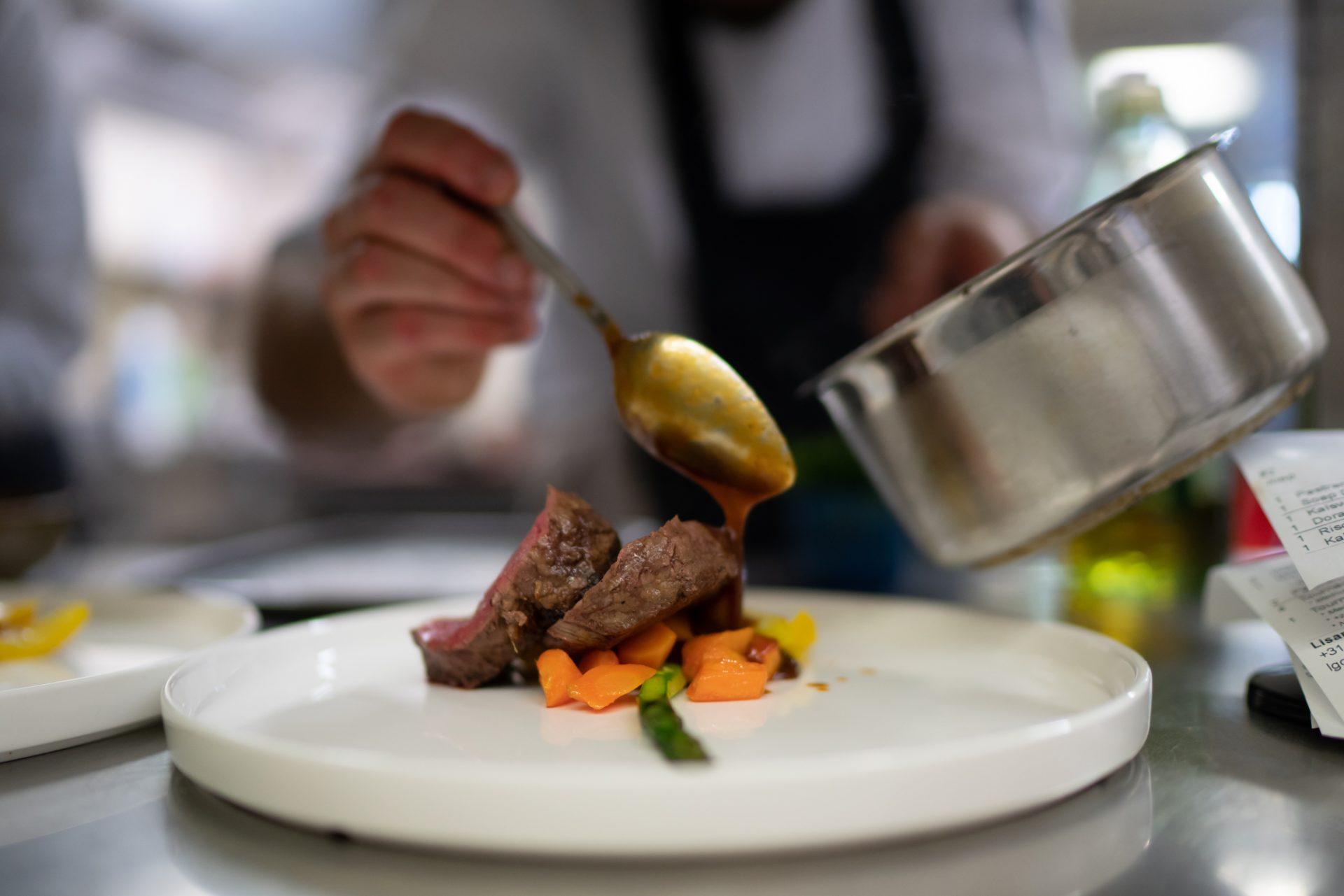 Gasterij De Arend - opgemaakt bord